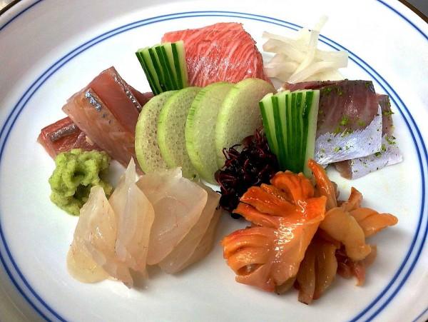 刺身 カマトロ 鯵 〆鯖 マトウダイ 赤貝