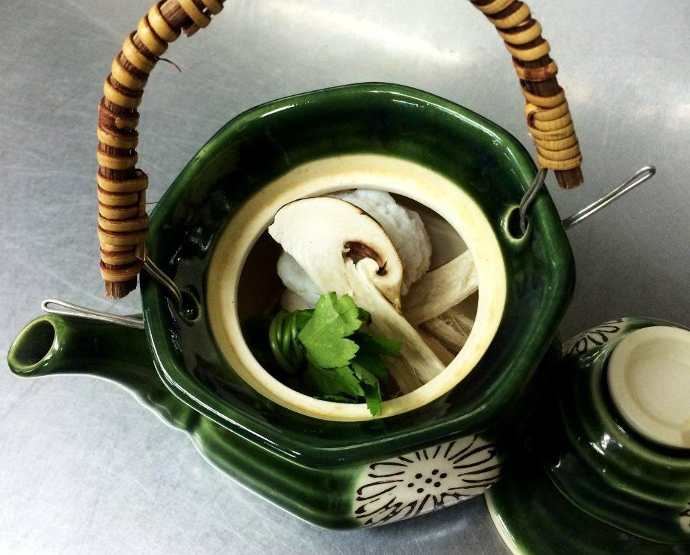 土瓶蒸し 松茸、鱧、海老、三つ葉