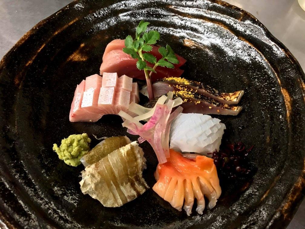刺し身 中トロ 鰤 しめ鯖炙り アオリイカ 平目昆布〆 赤貝