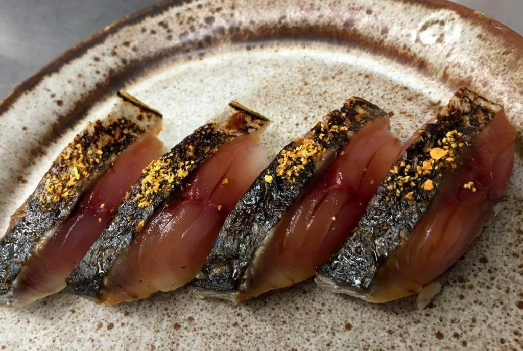 炙りしめ鯖の寿司