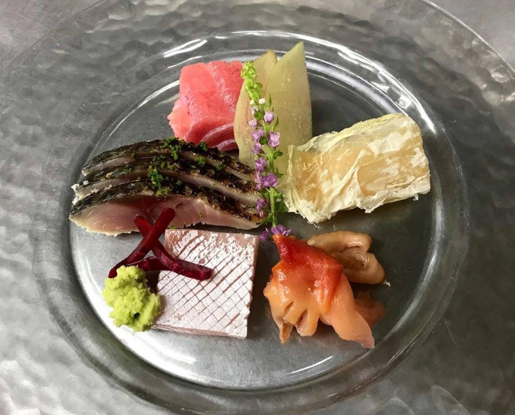 刺し身 中トロ 舌平目昆布〆 〆鯖 赤貝 ブリ砂摺り